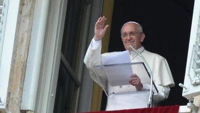 "Photo of Angelus oggi 31 dicembre 2017: ""Vangelo apre nuove strade per famiglie"""