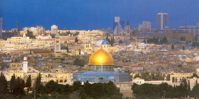 Decine di ferite negli sconti tra palestinesi e israeliani nella West Bank