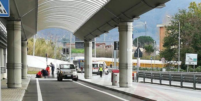 Giù dal parcheggio multipiano, studente suicida al Campus di Fisciano