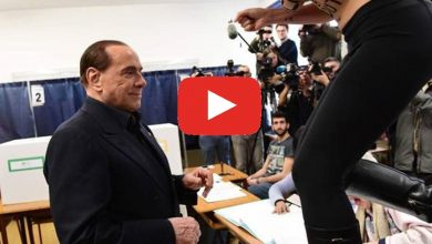 Photo of Berlusconi contestato da una Femen mentre vota a Milano (Video)