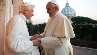 Photo of Benedetto XVI difende Papa Francesco in una lettera