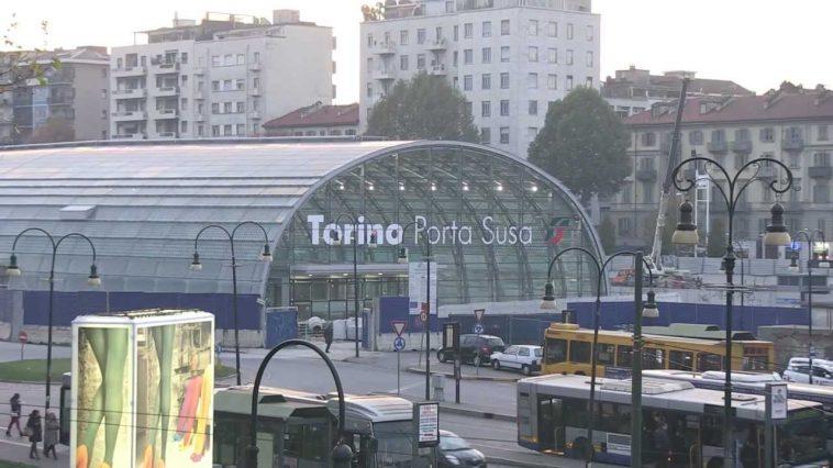 Ragazza investita dal treno in arrivo a torino porta susa - Treni torino porta susa ...