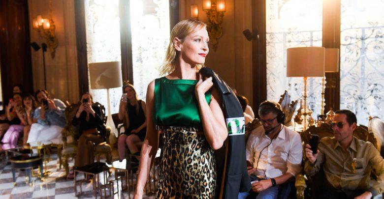 finest selection 2ebaf 9abcc Miu Miu Cruise 2019: Uma Thurman e le altre star in passerella