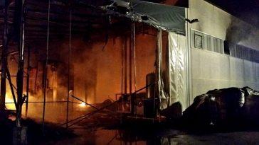 incendio-maddaloni-fabbrica-plastica-