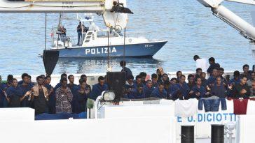 nave diciotti 41 migranti chiedono risarcimento danni