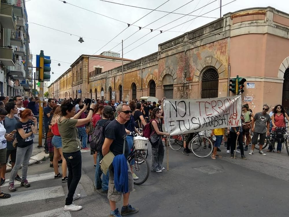 striscione-salvini-marcia