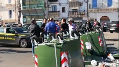 Photo of Taranto, commercianti protestano contro film Netflix di Michael Bay