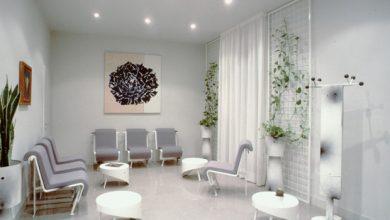 Photo of Tavoli di design: l'arredamento per studi medici
