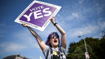 irlanda-approva-legalizzazione-aborto