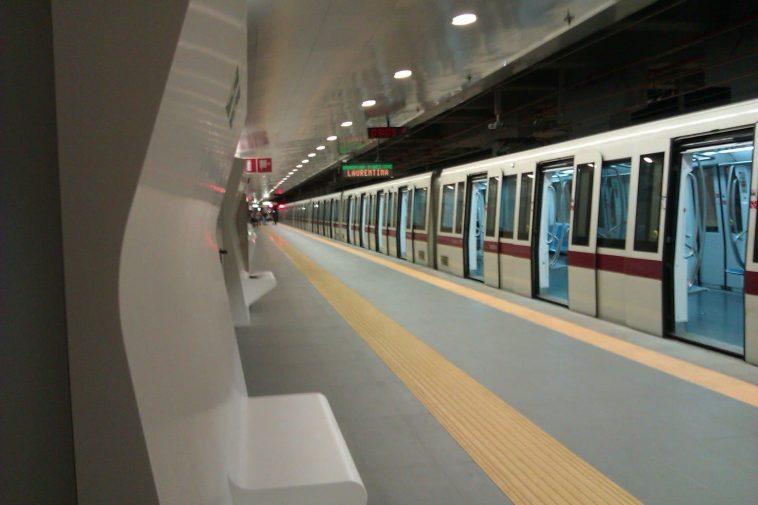 rom-picchiata-metro-
