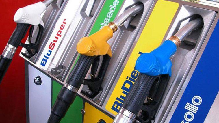aria distributori benzina Napoli