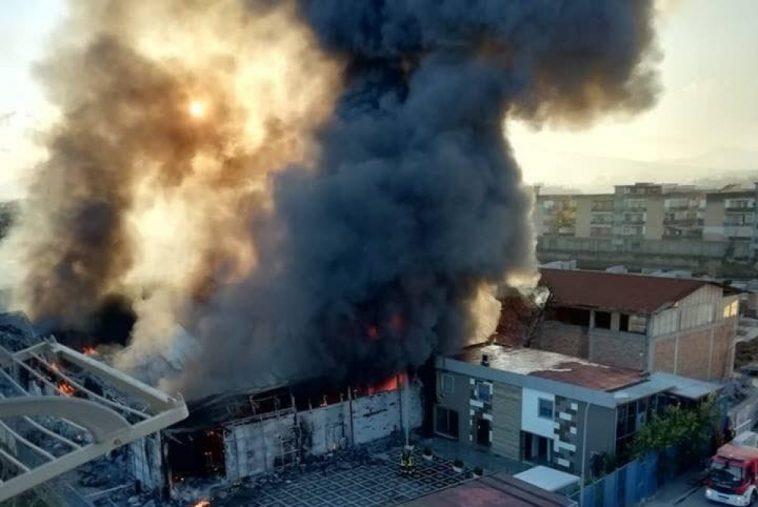 incendio fabbrica casoria
