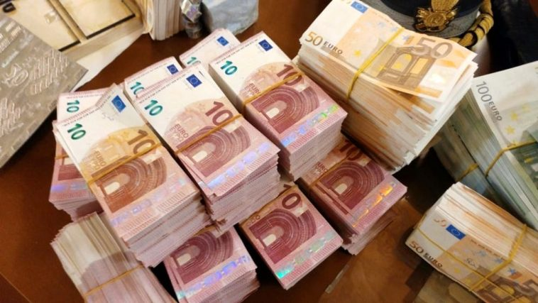stamperia soldi falsi Pomigliano D'Arco