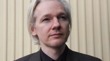 arrestato julian assange