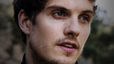 Daniel-Sharman-medici