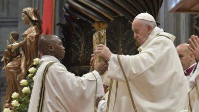 """Photo of Epifania 2020, Papa Francesco: """"Adorare è un gesto d'amore che cambia la vita"""""""