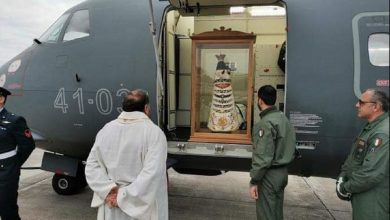 Photo of Madonna di Loreto sorvolerà l'Italia contro il Coronavirus? È una fake news