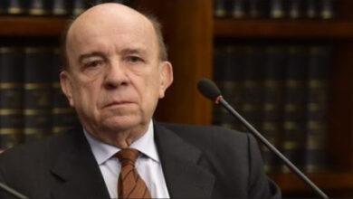 Photo of Chi è Gustavo Zagrebelsky? Biografia e carriera del giudice