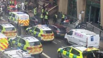 Photo of Attentato a Glasgow: Tre morti e un agente ferito. Il video dell'intervento