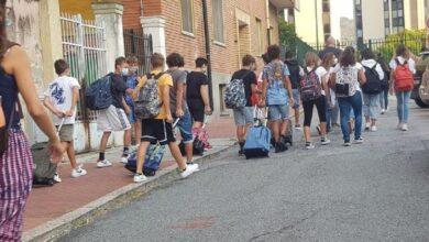 Photo of Primo giorno di scuola 2020: Foto e Video del rientro in classe